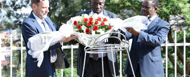 ICTR officials place wreath at mass graves, Kigali Genocide Memorial, 12 November 2015