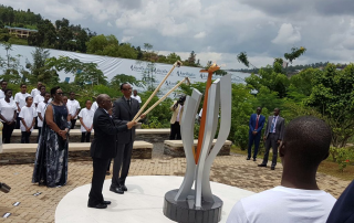 On 7 April 2016, the presidents of Rwanda and Tanzania light the flame of remembrance which will burn for 100 days to commemorate the 1994 genocide against the Tutsi in Rwanda.