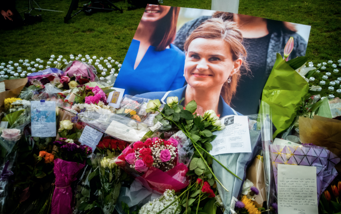 Flowers laid for Jo Cox MP at Parliament Square in London. Garry Knight, 17 June 2016 (CC0 license)