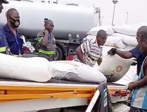 Bangui airlift appeal: first food delivery lands in besieged city